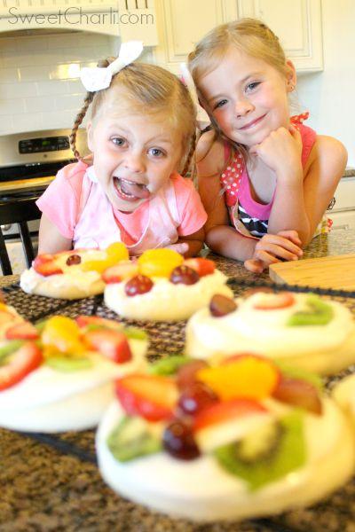 kids making rhodes fruit pizza