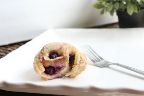 lemon blueberry rolls